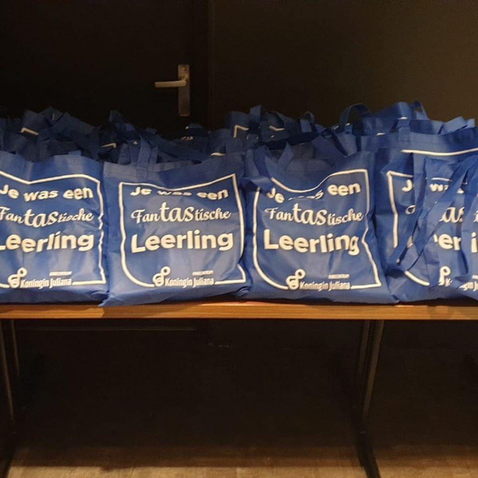 Bedrukte tasjes voor kind centrum koningin Juliana in Woudenberg